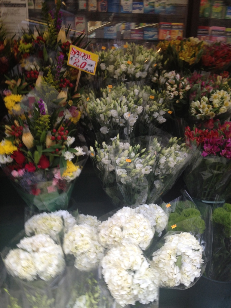 In addition to markets, I heart fresh flowers.